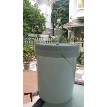 FERMENTATION BUCKET 20 LITER WITH AIRLOCK, SILICON BUN AND SPIGOT